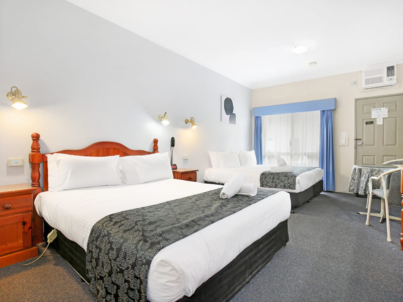 Accommodation at New England Motor Inn - Armidale